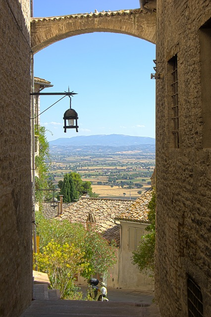 Eine Gasse in Assisi