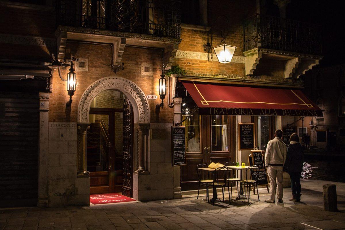 ein italienisches Restaurant von außen.